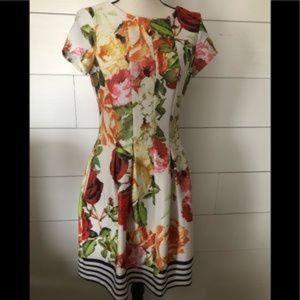 Gabby Skye Floral Dress Size 6